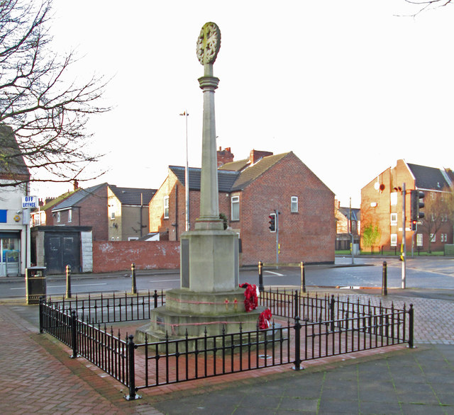 Sutton-in-Ashfield - War Memorial on Downing Street