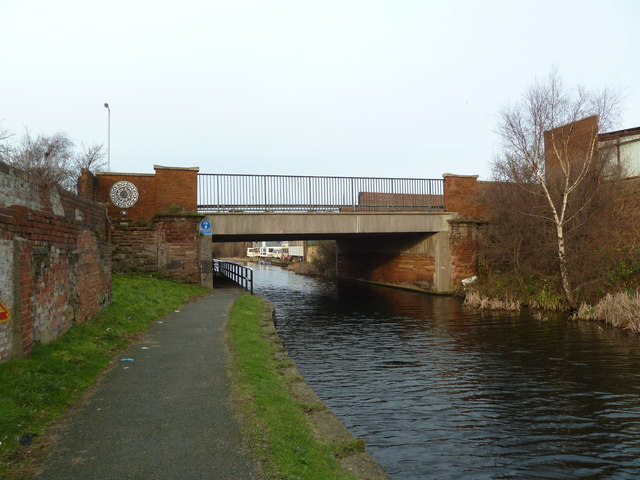 Bridge M, Leeds and Liverpool Canal
