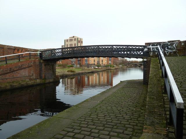 Bridge 1, Leeds and Liverpool Canal