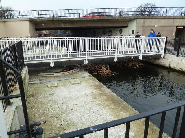 Bridge 2I, Leeds and Liverpool Canal
