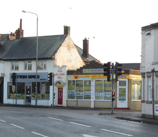 Sutton-in-Ashfield - former billiard hall at New Cross