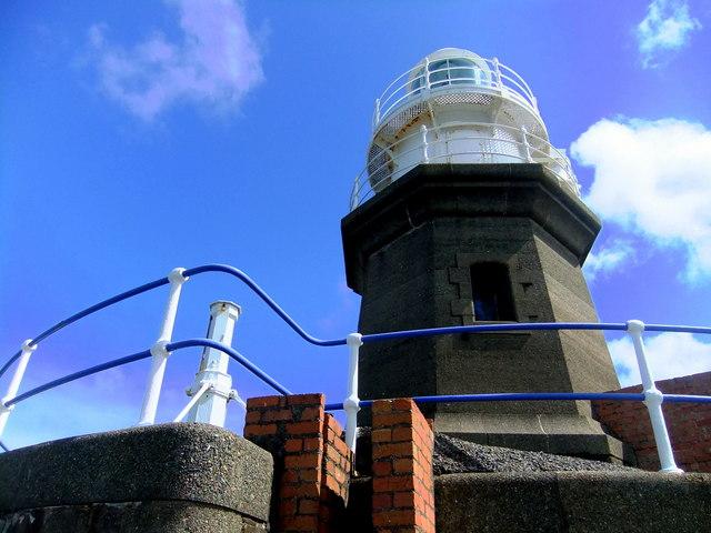 North breakwater lighthouse, Fishguard (2)