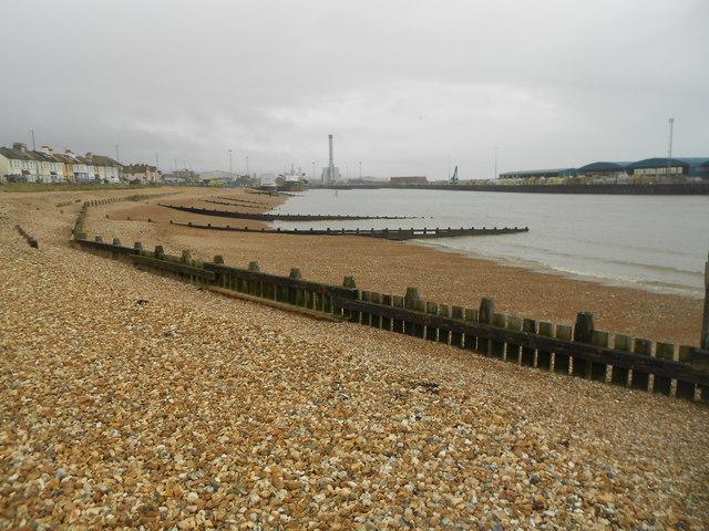 Shoreham-by-Sea: Kingston Beach