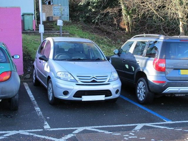 Parkers Car Park Cardiff Reviews
