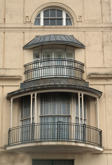 Balconies pelham crescent hastings julian osley cc by for Julian balcony