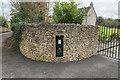 ST6563 : 2016 George V postbox by Guy Wareham