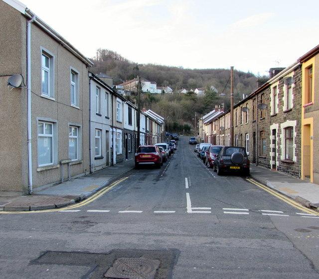 In Abercynon Rhondda Cynon Taf: William Street, Abercynon © Jaggery :: Geograph Britain