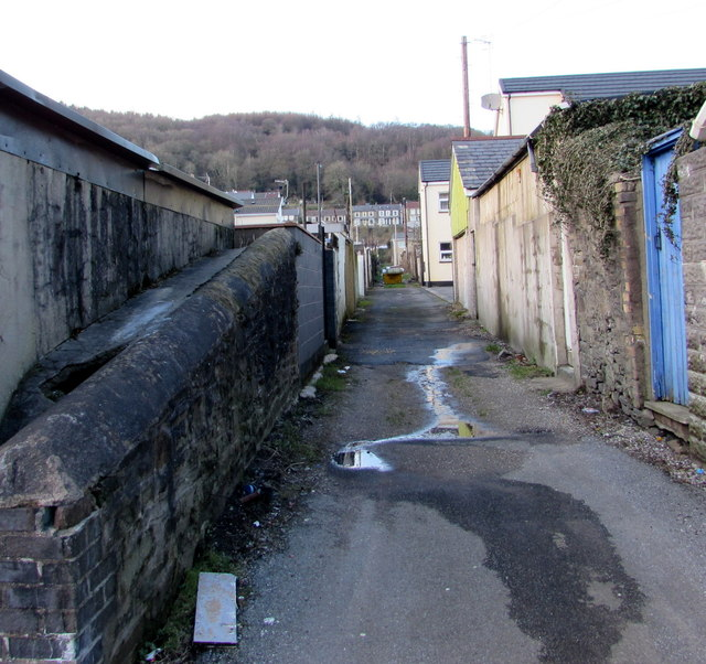 In Abercynon Rhondda Cynon Taf: Back Lane Between Herbert Street And... © Jaggery