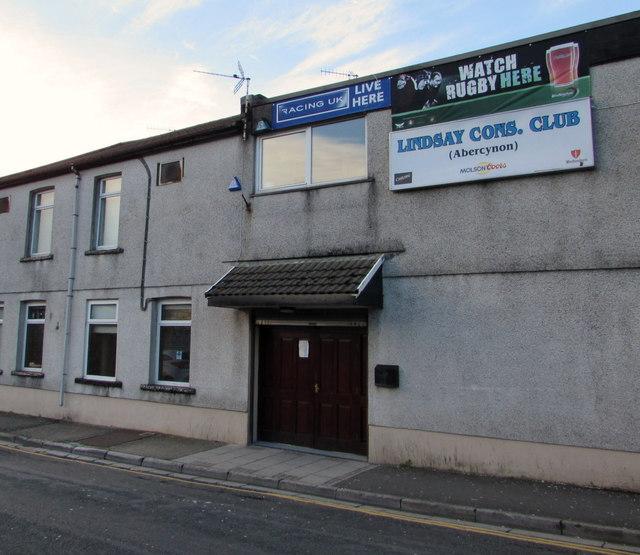 In Abercynon Rhondda Cynon Taf: Entrance To Lindsay Cons. Club... © Jaggery Cc-by-sa/2.0