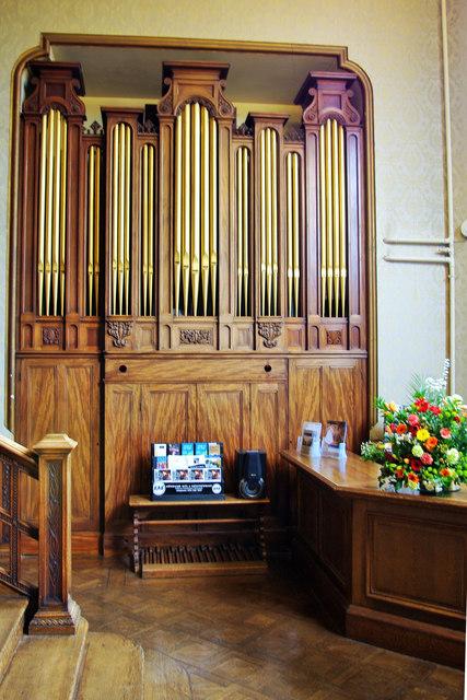 Water organ at Newbattle & Water organ at Newbattle © Tiger cc-by-sa/2.0 :: Geograph Britain ...