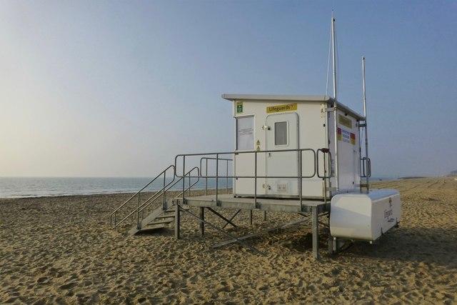 Sandbanks Beach Hut Hire