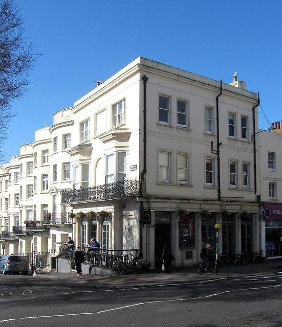 Churchill Hotel Near Embaby Row