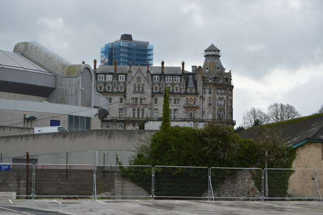 Hotels Near Plymouth Mi