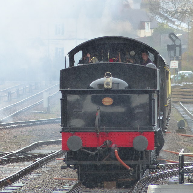 """The """"Lydham Manor"""" approaches Goodrington Station"""