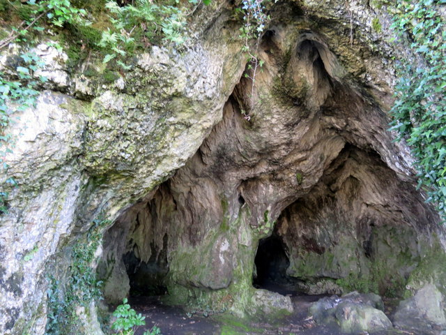 Entrance to Hoyle's Mouth cave (2)