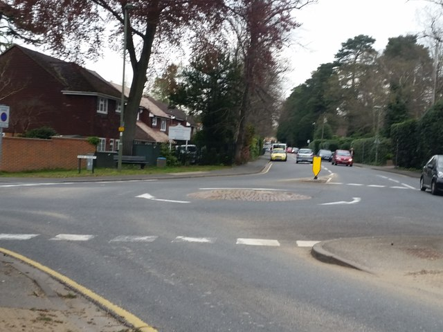 Roundabout at the junction of Park Road and Park Street, Camberley