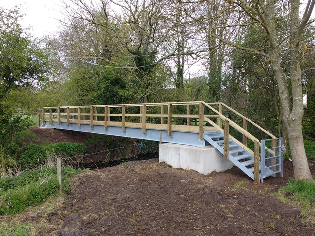 New footbridge over Kingston Brook West Leake