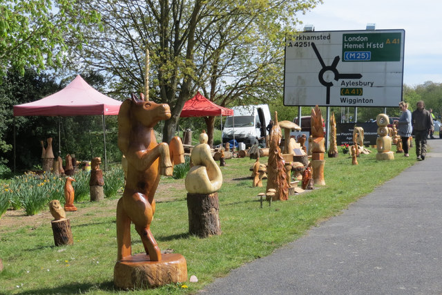 Wood Carvings by the London Road, Tring