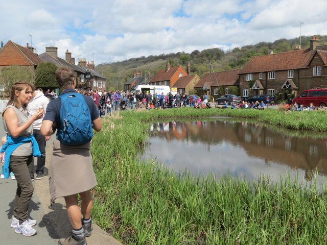 The Bank Holiday crowds surround the Village Pond at Aldbury