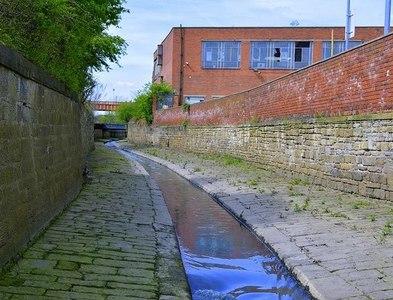 SE2932 : The Hol Beck, Water Lane, Leeds by Mark Stevenson