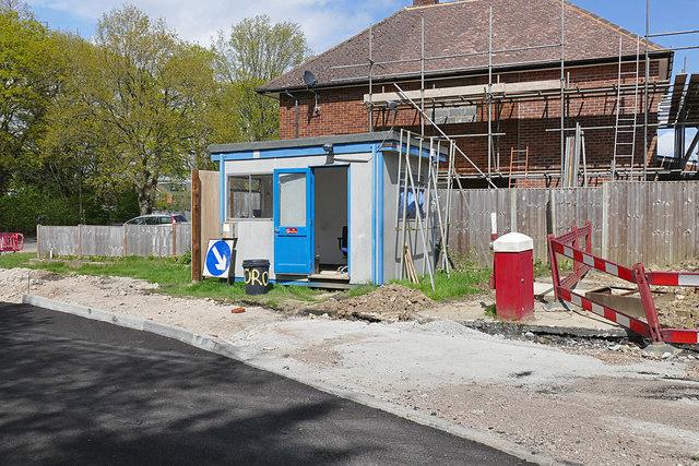 Gate lodge, Bisley Office Furniture © Alan Hunt :: Geograph ...
