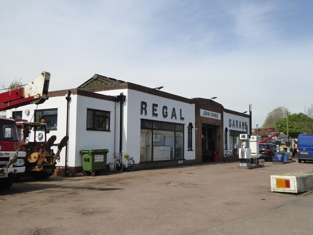 regal garage upton upon severn david smith geograph britain and ireland. Black Bedroom Furniture Sets. Home Design Ideas
