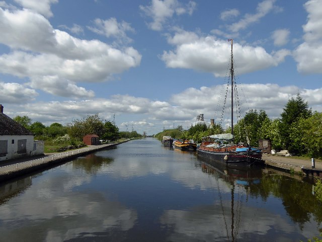 Boats on the canal at Keadby