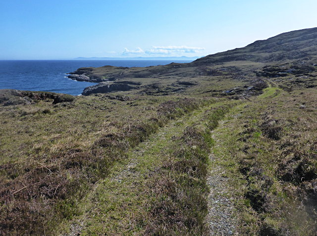 Uisinis Lighthouse track