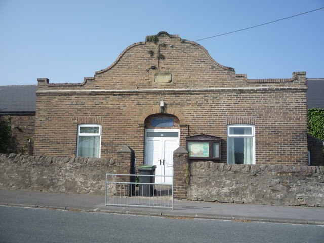 Tynemouth outdoor swimming pool co curate - Tully swimming pool opening hours ...
