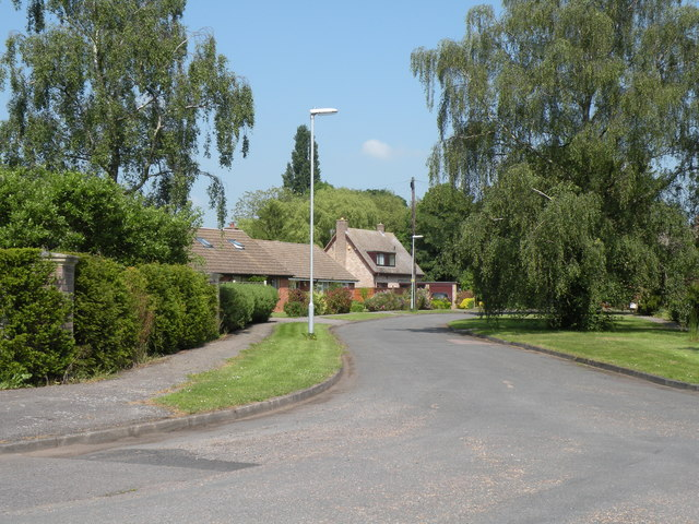 Lowbury Crescent in Oakington