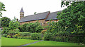 TQ2088 : Holy Innocents, Kingsbury by John Salmon