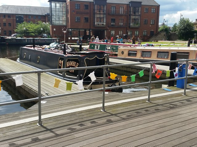Knitted bunting, Granary Wharf