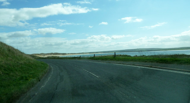 The A836 approaching Dunnet Bay