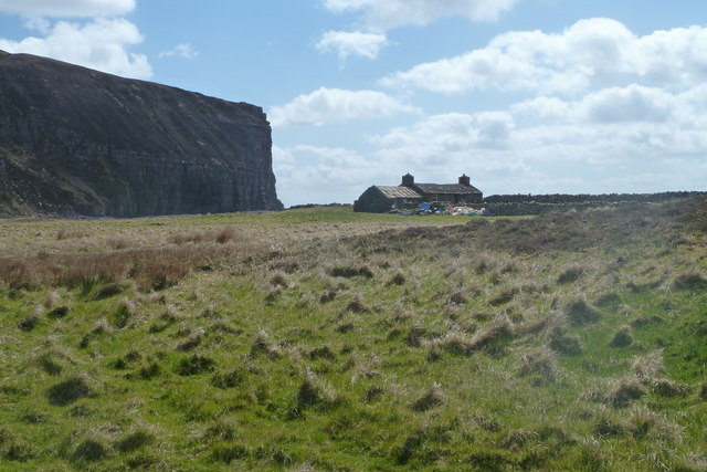 Approaching Burnmouth bothy, Rackwick