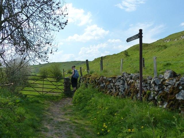 Public footpath to Brassington