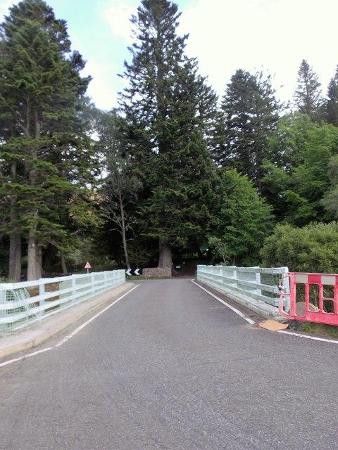 Bridge over Shee Water at Cray (B951)
