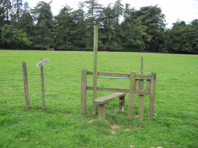Stile and footpath in Brockwood Park
