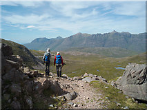 NG9551 : At the bealach between Coire Lair and Coire Grannda by Julian Paren