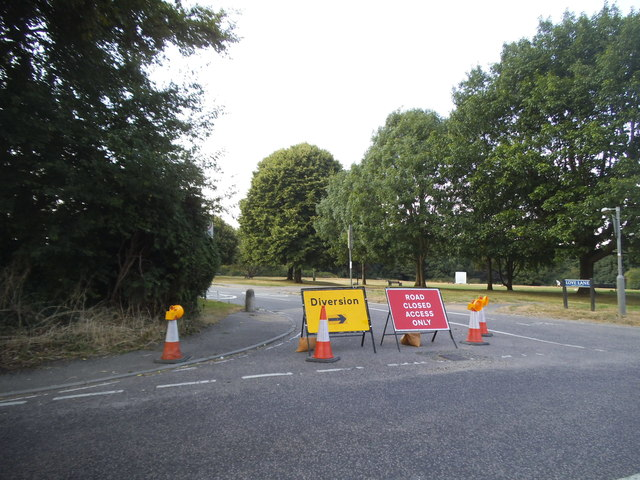 Love Lane is closed, Kings Langley