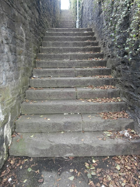Steps from Prince of Wales Rd, Swansea