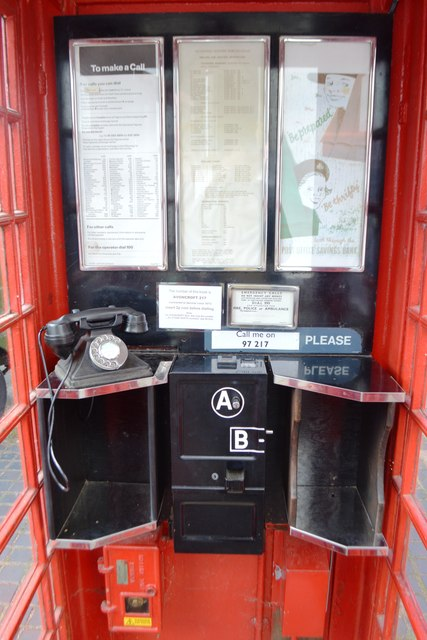 Inside A K6 Telephone Kiosk 169 John M Geograph Britain