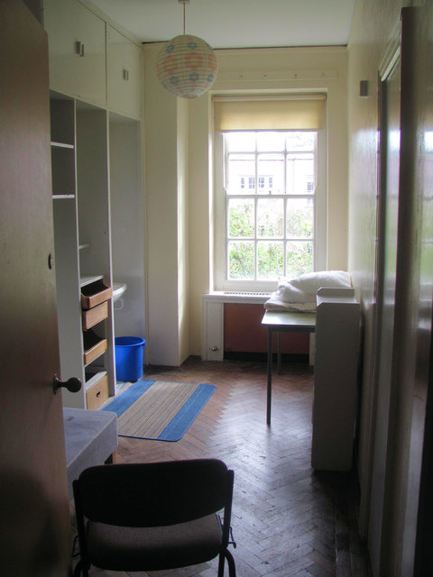 Foxhole School - A Typical Bedroom