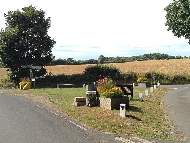 Junction of Homestead Lane, Chapel Lane and Roman Road