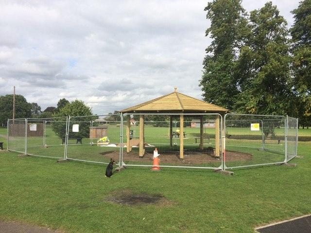 new sun shelter in west park david lally geograph. Black Bedroom Furniture Sets. Home Design Ideas