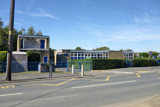 Woodham Ley Primary School Robin Webster Geograph Britain And Ireland