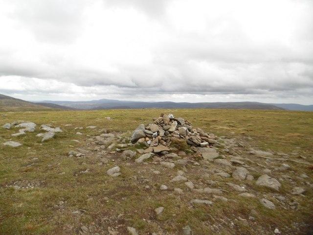 Tom Buidhe summit cairn
