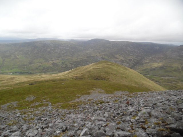 Steeply descending towards Meall Gorm