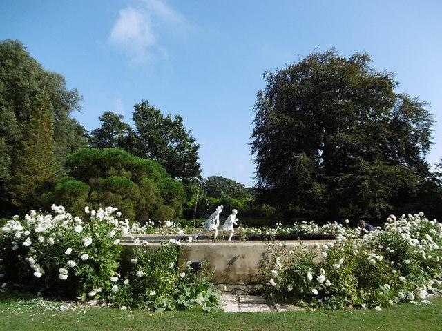 Ornamental pond in the gardens of quex marathon for Garden pond kent