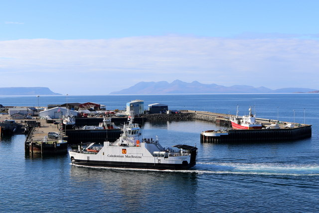 Lochinvar preparing to moor at Mallaig ferry terminal