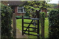 SP9100 : Rowen Farm on Hyde Lane by Robert Eva